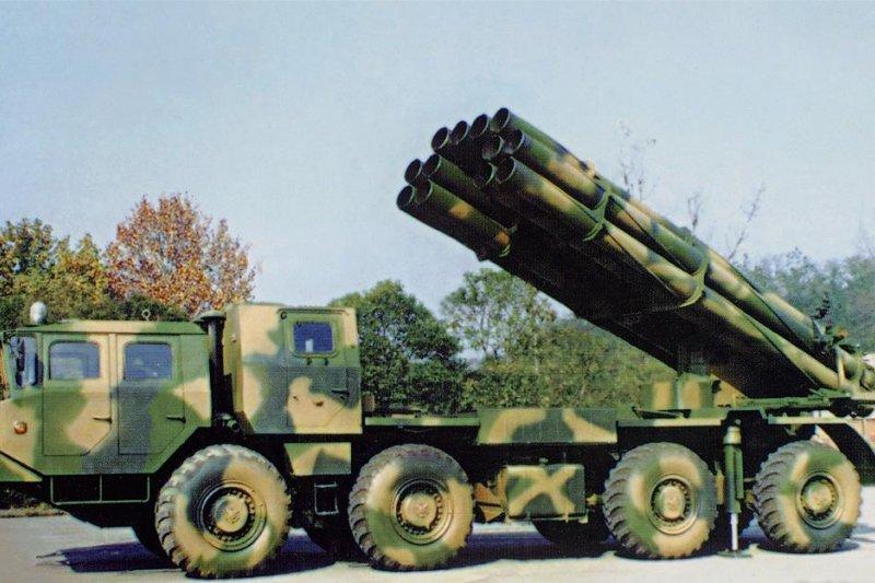 20160831-SMG0045-015-共軍PHL03式300毫米多管火箭炮。(取自中國互動百科,由往生的魚上傳)
