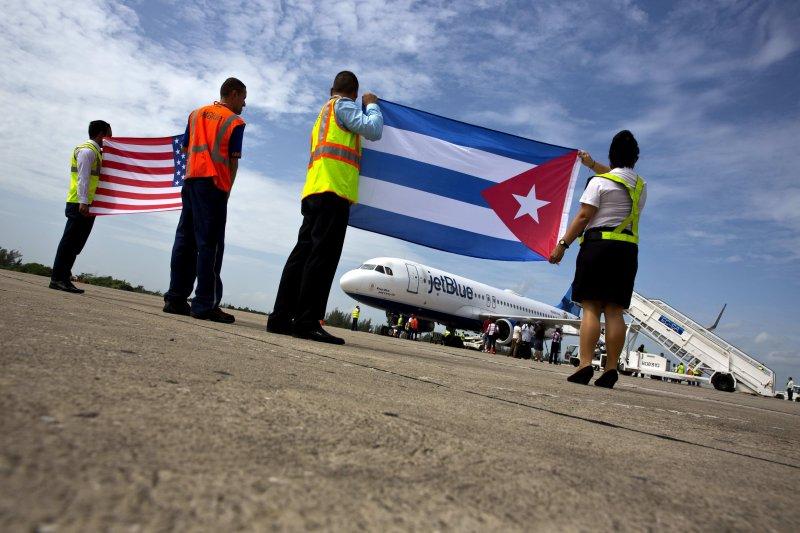 古巴中部城市聖克拉拉迎來半世紀首架美古定期航班。(美聯社)