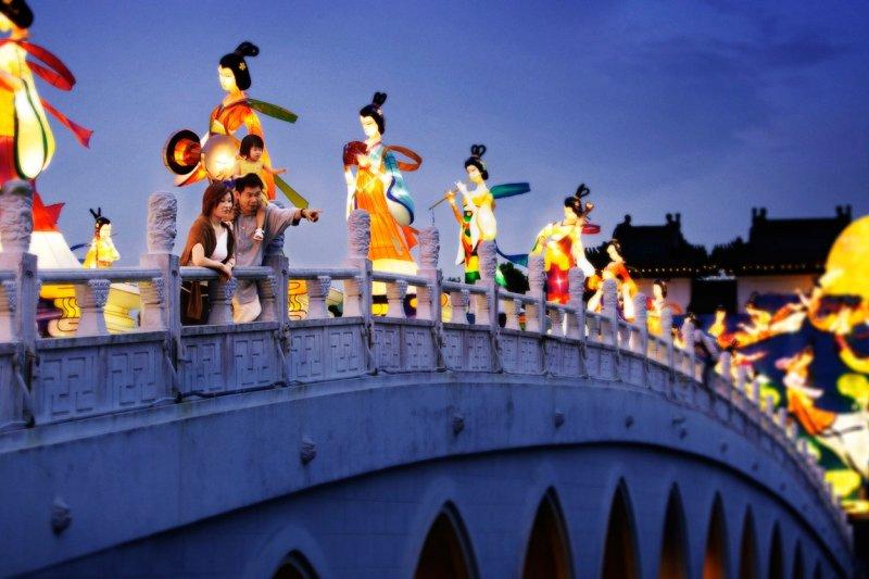 中秋節時新加坡裕華園的燈籠展演(圖/新加坡旅遊局)