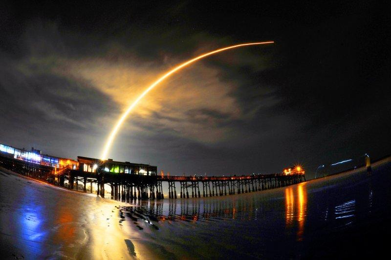 美國SpaceX公司的「獵鷹9號」(Falcon 9)火箭8月14日成功發射(AP)
