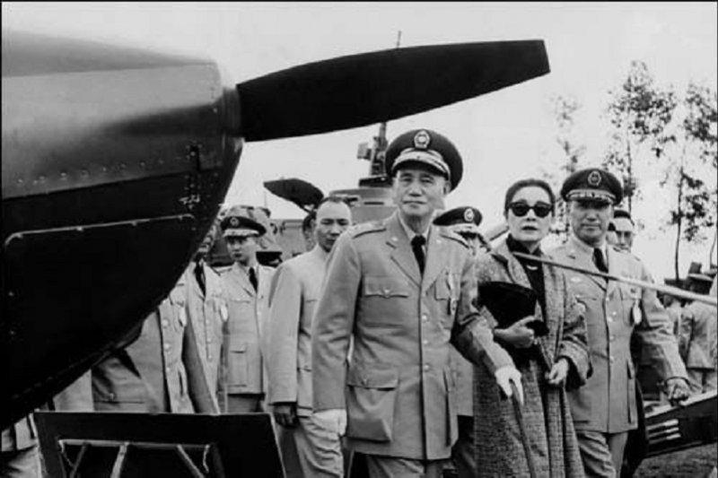 林孝庭本周將出版的新書《意外的國度:蔣介石、美國、與近代台灣的形塑》,解構二次大戰後,台灣定位如何被形塑。圖為蔣介石在台灣。(資料照,公共領域)