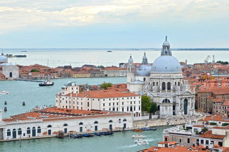 義大利政府贈送價值500歐元的「文化券」給滿18歲的年輕人,希望文化的正向體驗能讓他們用不同眼光看待義大利,避免他們被極端的恐怖主義吸引。(取自Pixabay)