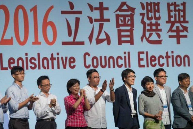 此次選舉投票率創下主權移交以來歷史新高。(BBC中文網)