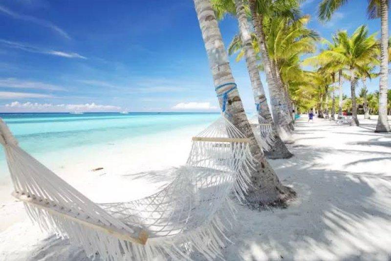 藍天、大海和白沙灘,在美景環繞下,快樂獲得潛水執照(圖/Klook客路)