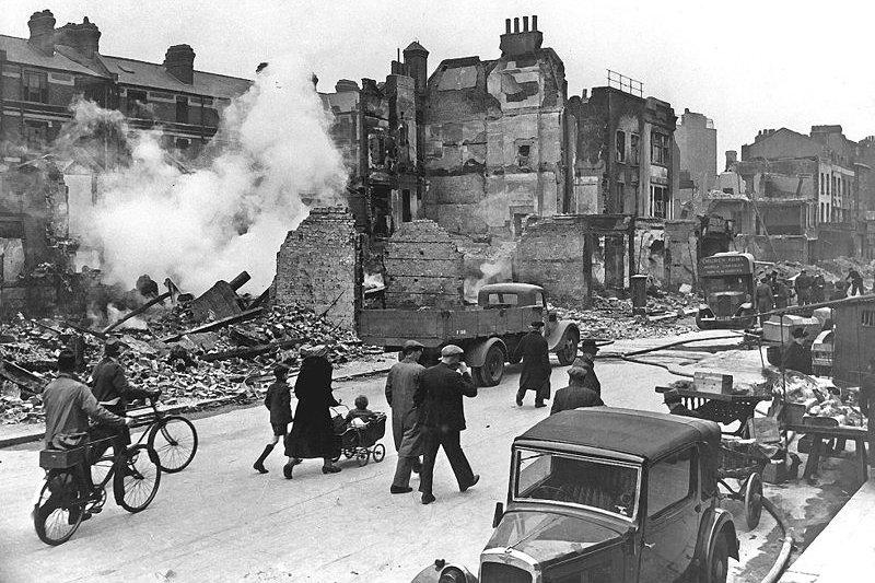 倫敦遭到德軍空襲轟炸,城市面目全非。(維基百科/public domain)