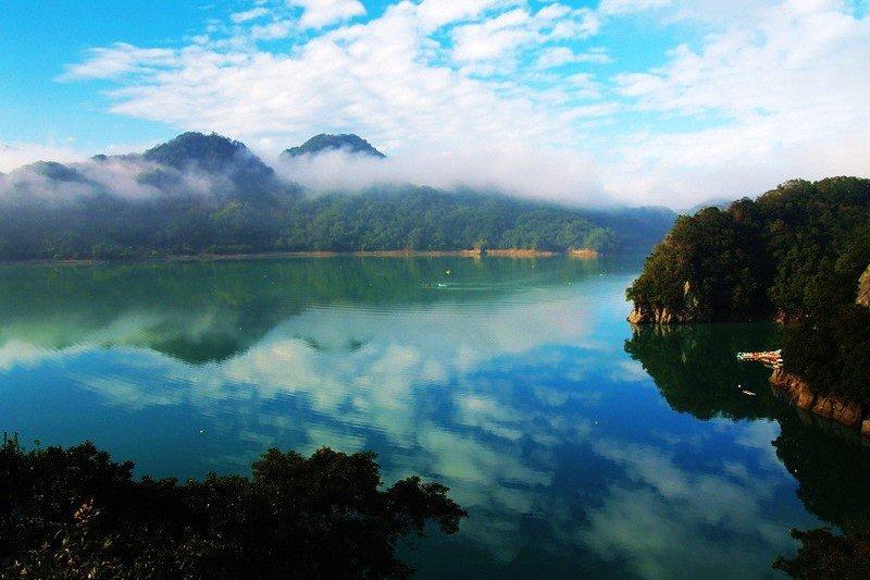 讓人驚艷的桃園美景,你應該多多發掘。(圖/大溪湖畔咖啡@facebook)