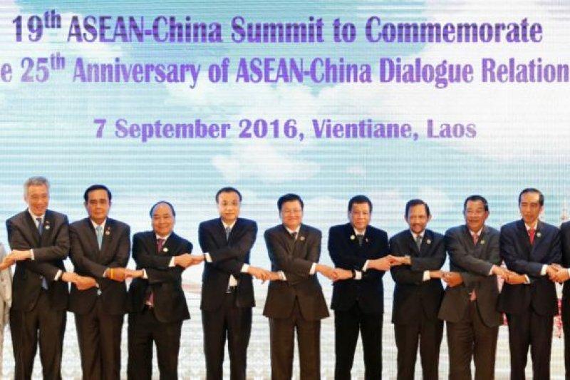 峰會聲明沒有提及南海爭端詳情或南海仲裁案,也沒有點名中國。(BBC中文網)