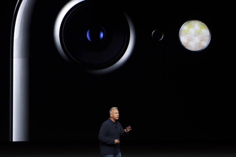 蘋果iPhone 7攝影鏡頭(美聯社)