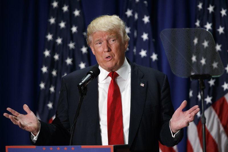 共和黨總統候選人川普,在辯論中公開稱讚俄國總統普京,引發一片譁然。(美聯社)