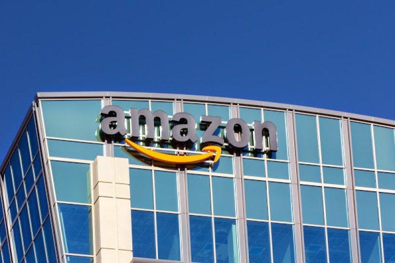 亞馬遜(Amazon)成功從網路書店轉型成電商龍頭。(圖片來源:Shutterstock)