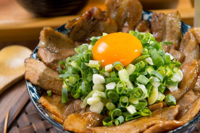 就是要大口吃肉的人,這7間快放進口袋名單。(圖/開丼 燒肉vs丼飯@facebook)