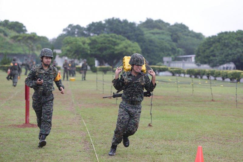 2016-09-12-蔡英文視導陸軍66旅04-總統府提供