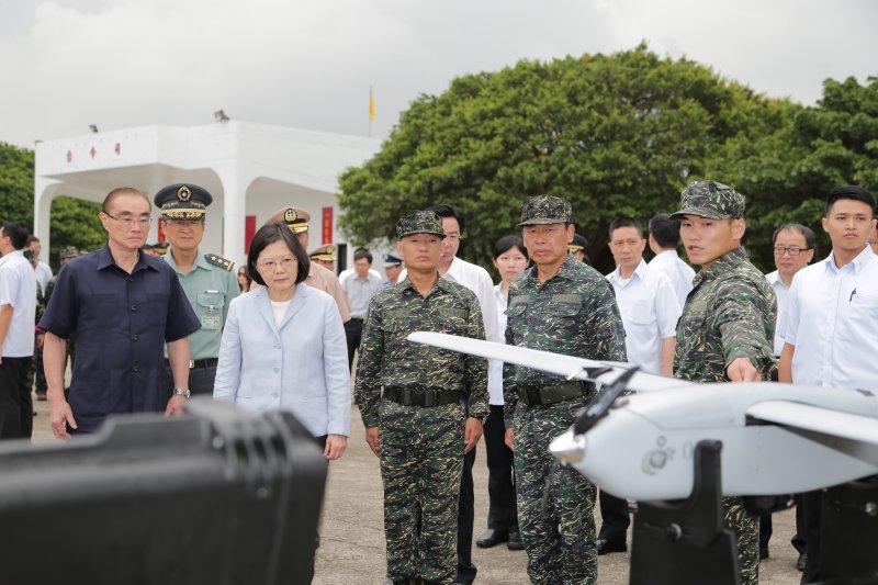 2016-09-12-蔡英文視導陸軍66旅-總統府提供