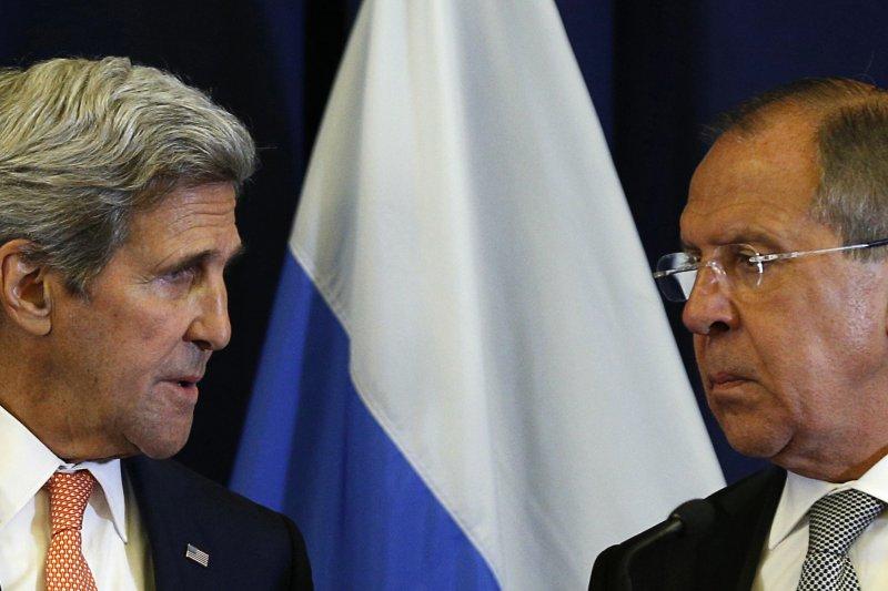 美國國務卿凱瑞(左)和俄羅斯外長拉夫羅夫(右)達成敘利亞新停火協議。(美聯社)