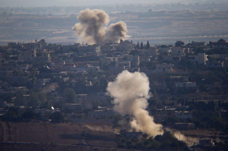 敘利亞政府軍持續轟炸反抗軍的根據地。(美聯社)