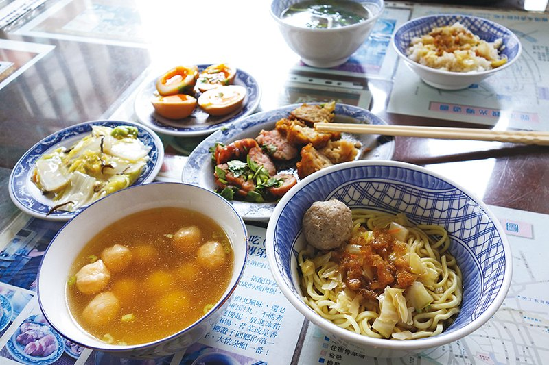 鄭永豐小時候常吃的「永香食堂」菜色。(圖/天下雜誌提供)