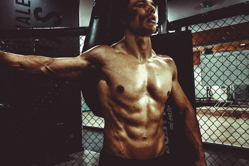 現代人觀念練出六塊肌=健康?這樣正確嗎...(圖/Unsplash@pixabay)