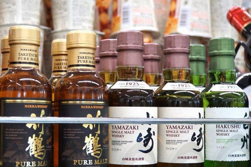 這篇要介紹如何挑選日本便利商店的日本酒、燒酒、威士忌!(圖/MATCHA)