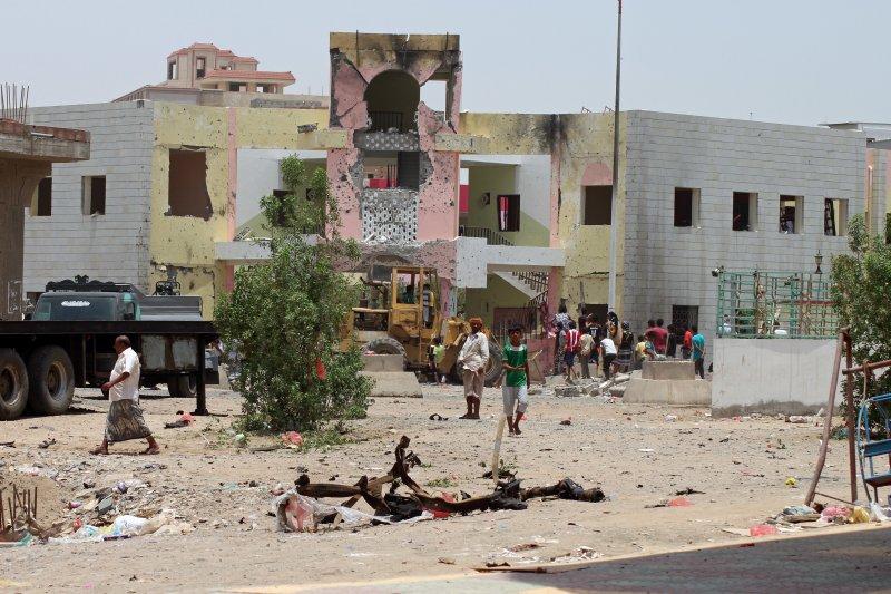 葉門內戰已超過1年半,城市滿目瘡痍。(美聯社)