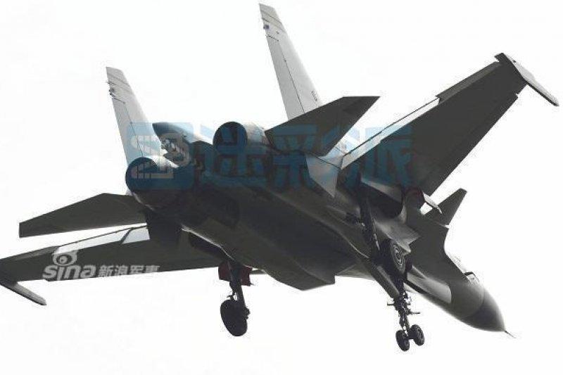 網傳的彈射版殲-15照片。