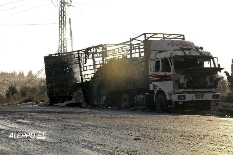 敘利亞停火協議已生效,但聯合國人道救援車隊竟慘遭空襲炸毀。(美聯社)