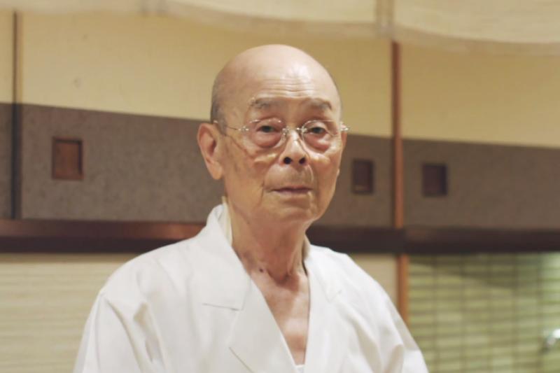 紀錄片《壽司之神》上映後,小野二郎在國際間的名望自此傳開。(翻攝自YouTube)