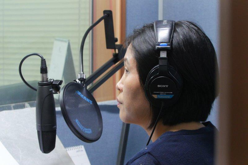 身為「脫北者」的朴靜華,如今是南韓的心戰廣播員,專門錄製對北韓的廣播。(美聯社)