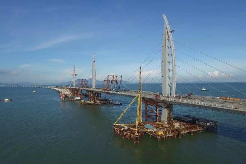 長達55公里的港珠澳大橋即將於今年底啟用通車,被視為中國啟動粵港澳大灣區軟硬體整合的標誌性工程。(資料照,取自網路)