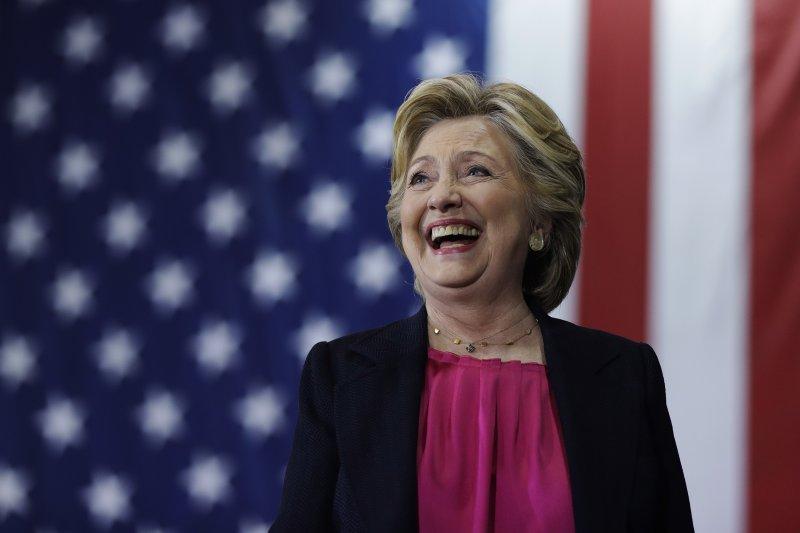 亞利桑那州百年大報首度轉向,表態支持民主黨總統候選人希拉蕊。(美聯社)
