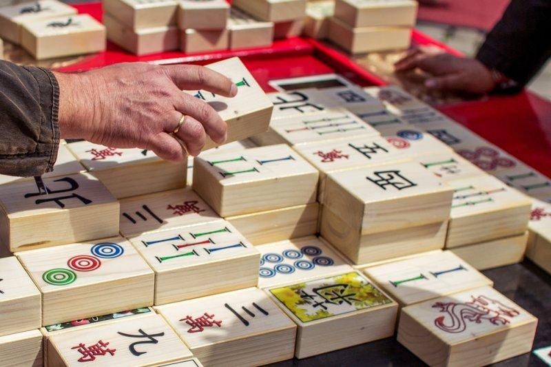 台灣人是何時開始打麻將的?(圖/Oliver Hallmann@flickr)