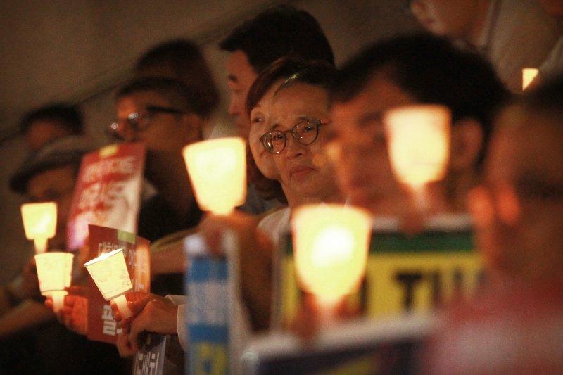 韓國民眾抗議薩德部署。(美聯社)