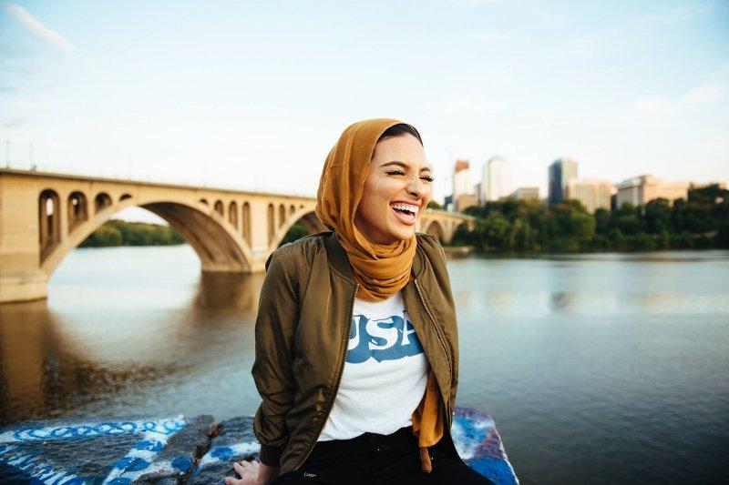 穆斯林女記者塔格里(Noor Tagouri)成為史上第一位刊登在《花花公子》(Playboy)裡的穆斯林。(取自Noor Tagouri個人臉書)