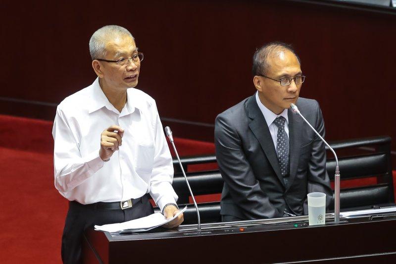 20161004-財政部長許虞哲4日至立院備詢。(顏麟宇攝)