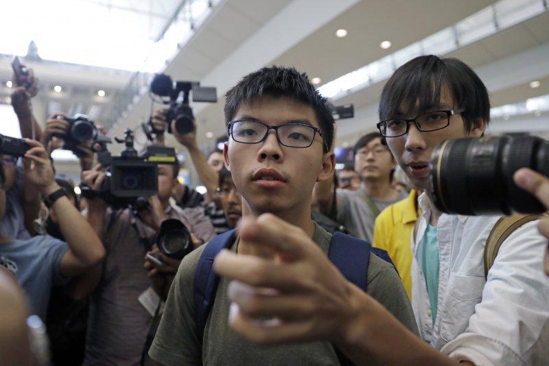 香港眾志秘書長黃之鋒赴台出席時代力量論壇,搭機抵台時險遭襲擊。(資料照,美聯社)