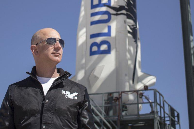亞馬遜(Amazon)創辦人貝佐斯(Jeff Bezos)創建藍源(Blue Origin)公司,追逐太空大夢(Blue Origin)