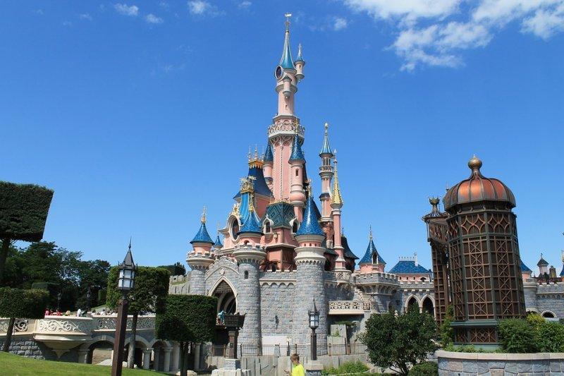 想去迪士尼不用跑太遠,離台灣很近的上海就有!(圖/PIXABAY)
