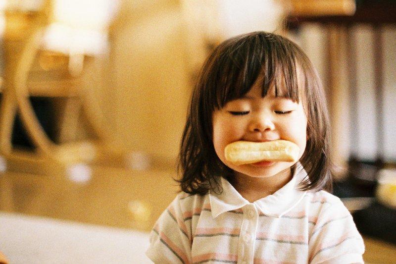 有時候明明吃了東西,怎麼還是覺得餓?(圖/MIKI Yoshihito@flickr)