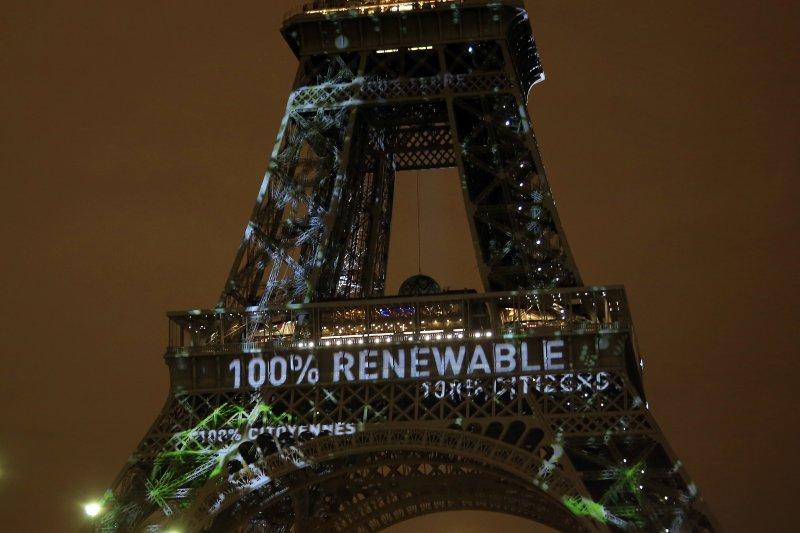 「即便是擁有如此長久民主傳統的法國,於IPCC再三示警而全球天災地變也已成為常態之際,而國際社會也極力爭取到企業與金融業的支持下,都沒辦法順利推動減碳的核心措施—碳定價了,台灣勢必要在後續連結巴黎協定的努力過程,更審慎的將社會正義納入決策體制⋯⋯」(資料照,美聯社)