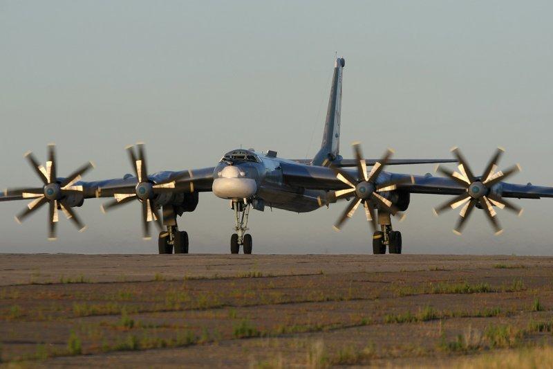 俄羅斯重型轟炸機圖-95MS(Tupolev Tu-95MS)轟炸機(Marina Lystseva@Wikipedia / GFDL 1.2)