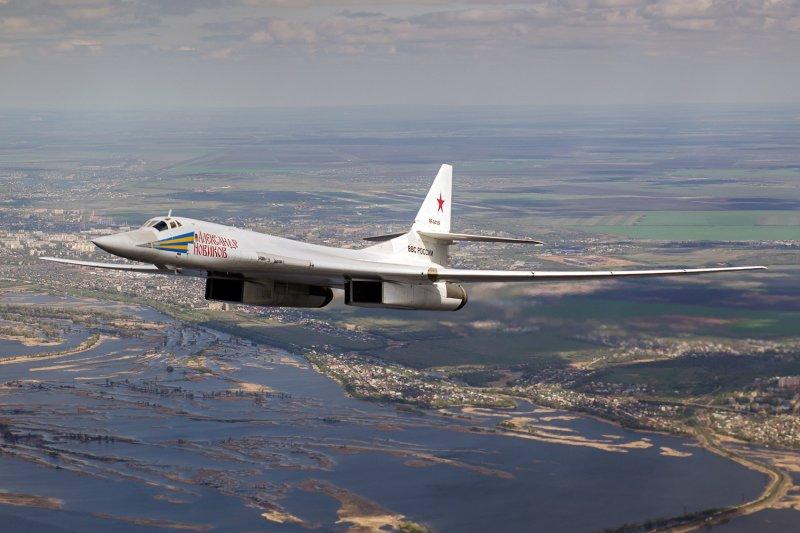 俄羅斯重型轟炸機圖-160(Tupolev Tu-160)轟炸機(Alex Beltyukov@Wikipedia /  CC BY-SA 3.0)