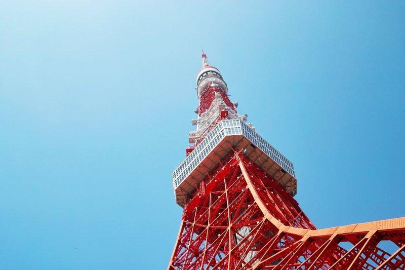 東京國際書展,日本二皇子秋篠宮伉儷逗留在台灣展區的時間相較於其他展區,算是最久的...(圖/t-mizo@flickr)