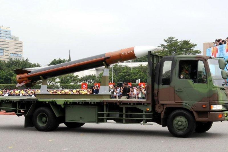 共軍軍機多次在西太平洋進行軍演,為提升東部防空作戰力,國軍已規劃在花東部署至少3套射程達200公里的國造天弓三型防空飛彈。(資料照,取自中科院網站)