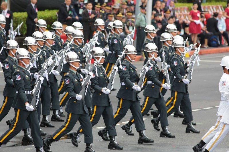 2016-10-10-中華民國105年度國慶典禮-三軍樂儀隊-顏麟宇攝