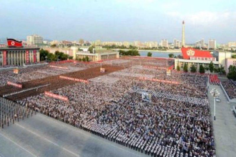 9月平壤在金日成廣場舉行集會,宣佈第五次核試成功。(BBC中文網)