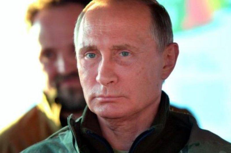普京正在與西方角力。(BBC中文網)