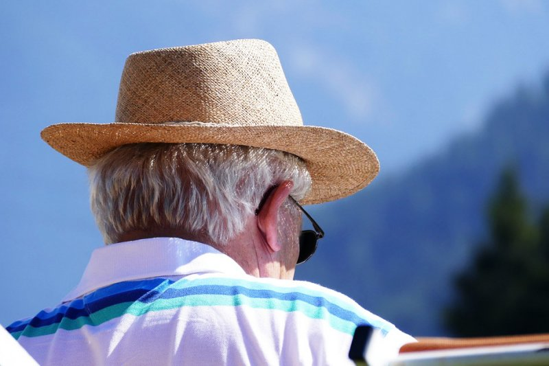 除了飲食與生活習慣,多位百歲人瑞一致認同的長壽關鍵竟然還有「這個」。(圖/Pixabay)