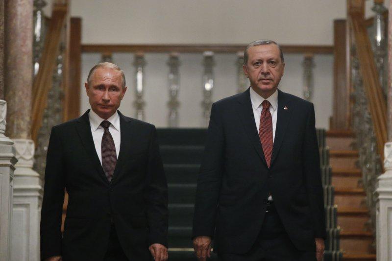 土耳其總統埃爾多安(右)和俄羅斯總統普京(左)。(美聯社)