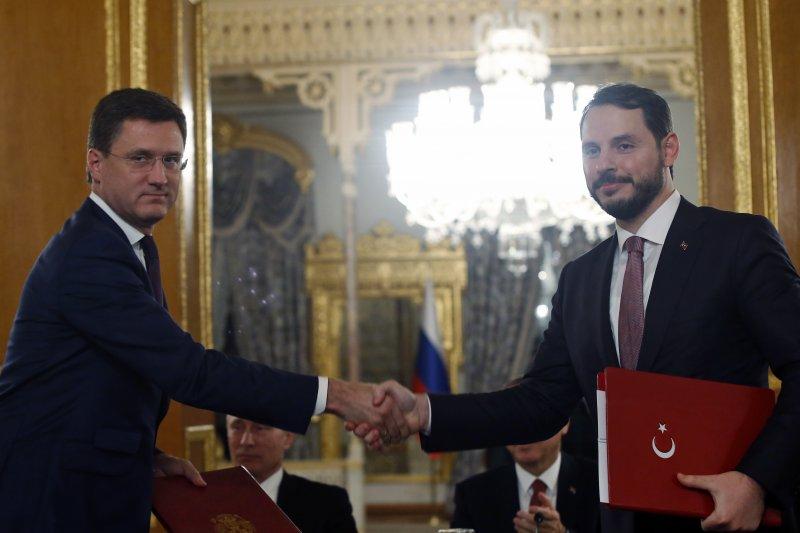 土俄兩國能源部長簽署天然氣管道建設項目協議。(美聯社)