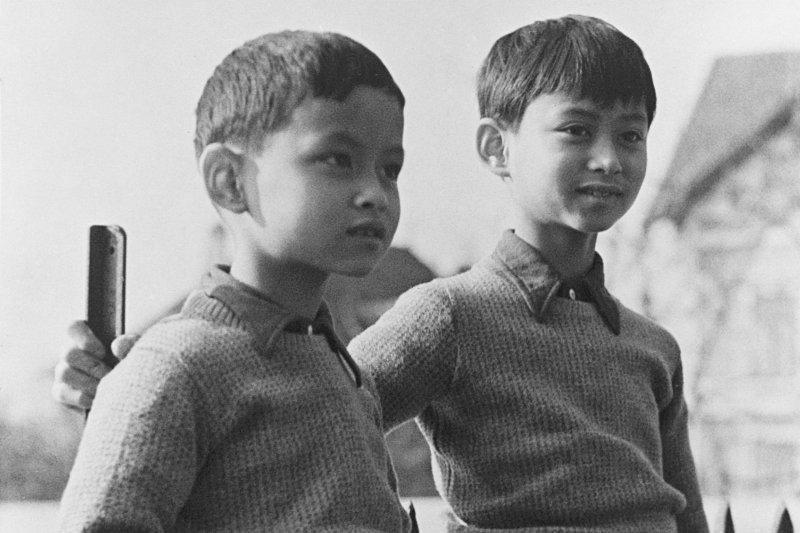 蒲美蓬(左)與哥哥阿南塔,攝於1935年(AP)