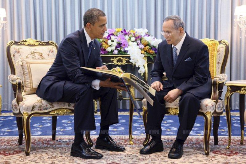 泰王蒲美蓬與美國總統歐巴馬,攝於2012年(AP)